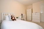 bedroom (alternatvie view)