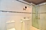 Double Bedroom 2/Gymnasium En Suite Shower Room