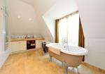 MASTER BEDROOM WITH EN-SUITE BATHROOM ASPECT 3