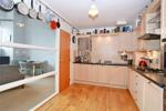Well equipped dining kitchen with appliances