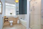 Bathroom with 4-piece suite