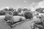 Exclusive front garden - alternative view