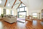 Sun Room / Lounge