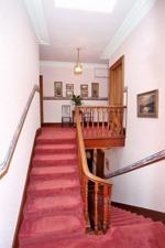 Mezzanine to Upper Floor