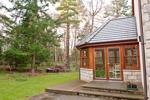 Side garden & conservatory