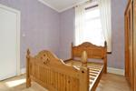 Bedroom (alternative view)