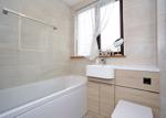FAMILY BATHROOM ASPECT TWO