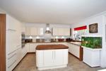 Attractive & Modern Kitchen