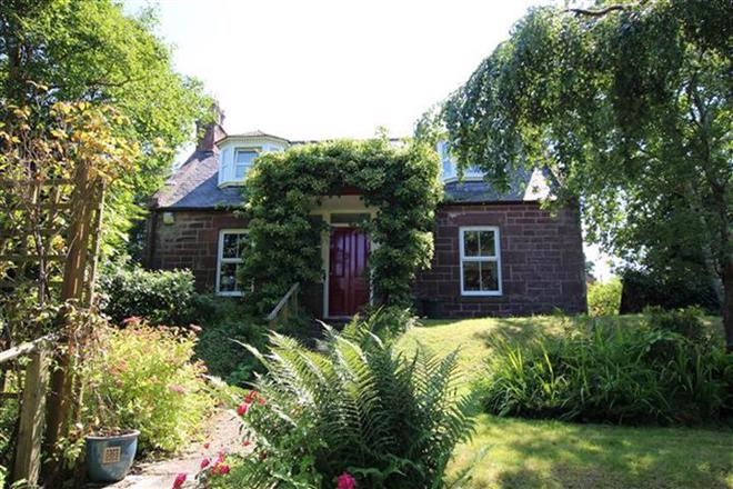 BALMELLIE COTTAGE, BALMELLIE ROAD, TURRIFF