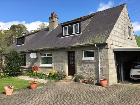 5 Donview Houses, Glenkindie, Alford