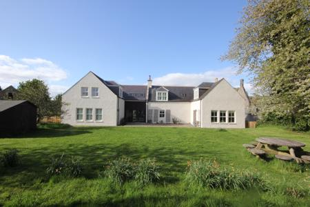 Haugh Farmhouse, Dee Street, Kincardine O'Neil